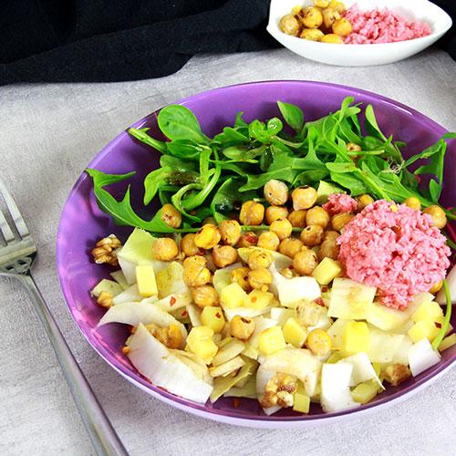 Salade aux endives et pois chiche - comté et houmous betterave