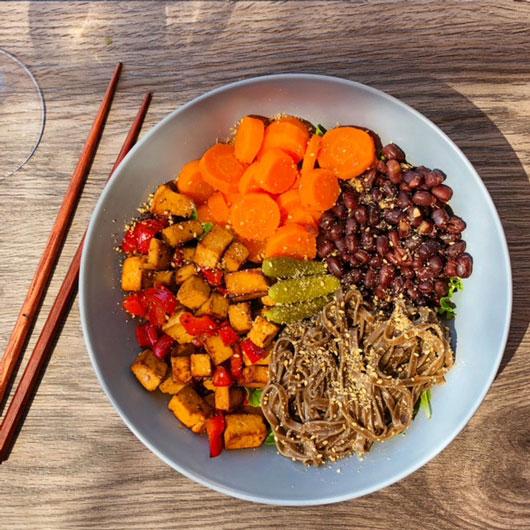 Buddha Bowl soba haricots azuki et tofu