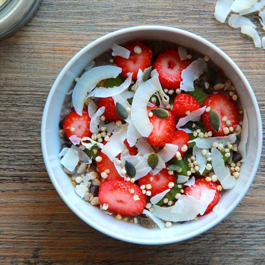 Chia Pudding aux fraises et kiwi