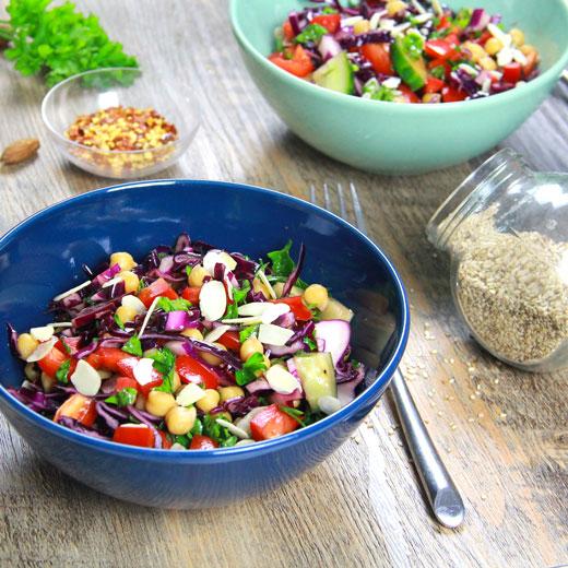 Salade de pois chiches, chou rouge et poivron